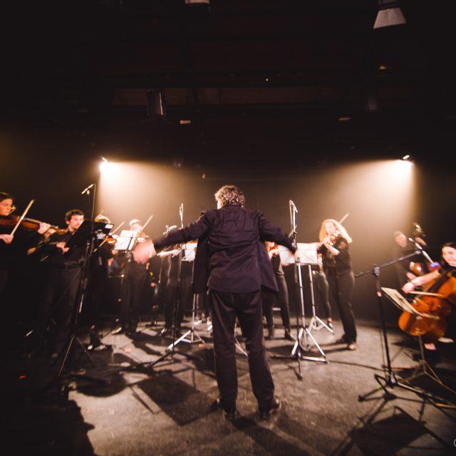 Balkan Paradise Orchestra con RIU -